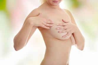 Фото №1 - Как вернуть форму груди и живота после родов?