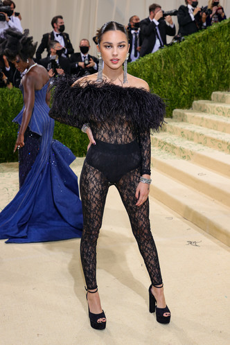 Фото №107 - Met Gala 2021: все модные образы бала Института костюма
