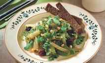 Теплый салат из пекинской капусты