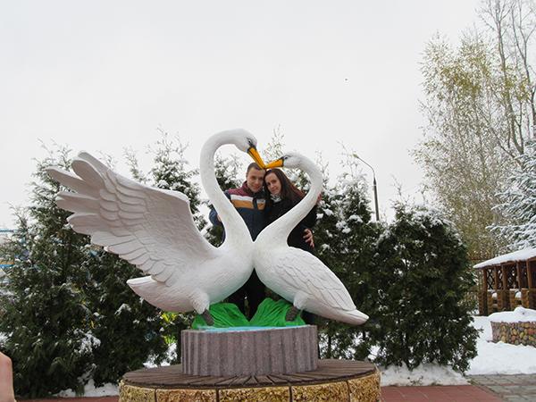 Памятник лебединой верности