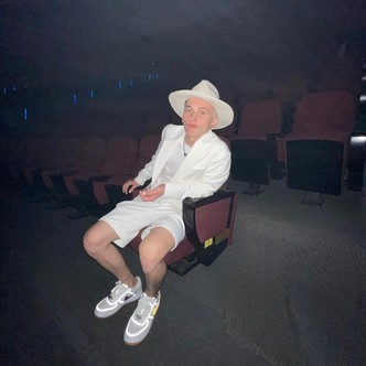 Фото №3 - Даня Милохин проигнорил день рождения Юли Гаврилиной?! 🤨