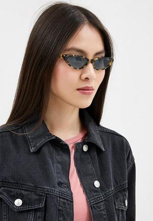 Фото №3 - Скоро весна: как выбрать модные солнцезащитные очки