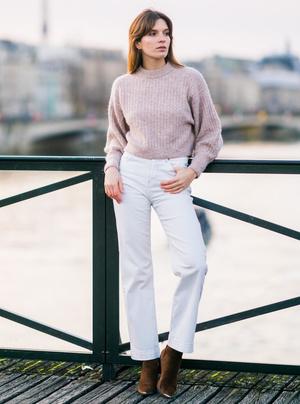 Фото №10 - С чем носить базовые прямые джинсы: модные идеи на любой случай
