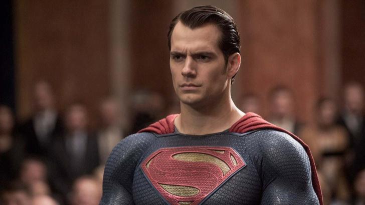 Фото №1 - Школьнику не верили, что его дядя Супермен. Генри Кавилл забрал мальчика после уроков