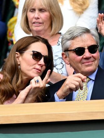 Фото №3 - Любящий отец и лучший друг: герцогиня Кейт и ее трогательные отношения с Майклом Миддлтоном