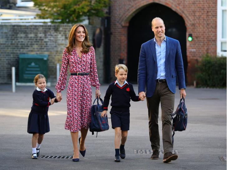 Фото №2 - Когда Джордж, Шарлотта и Луи приступят к выполнению королевских обязанностей
