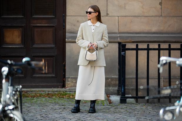 Фото №1 - Платье-свитер: какое купить и с чем носить в 2021