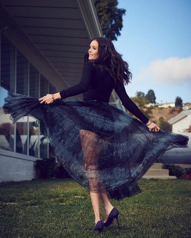 Черное боди + полупрозрачная юбка Dior: праздничный образ Нины Добрев