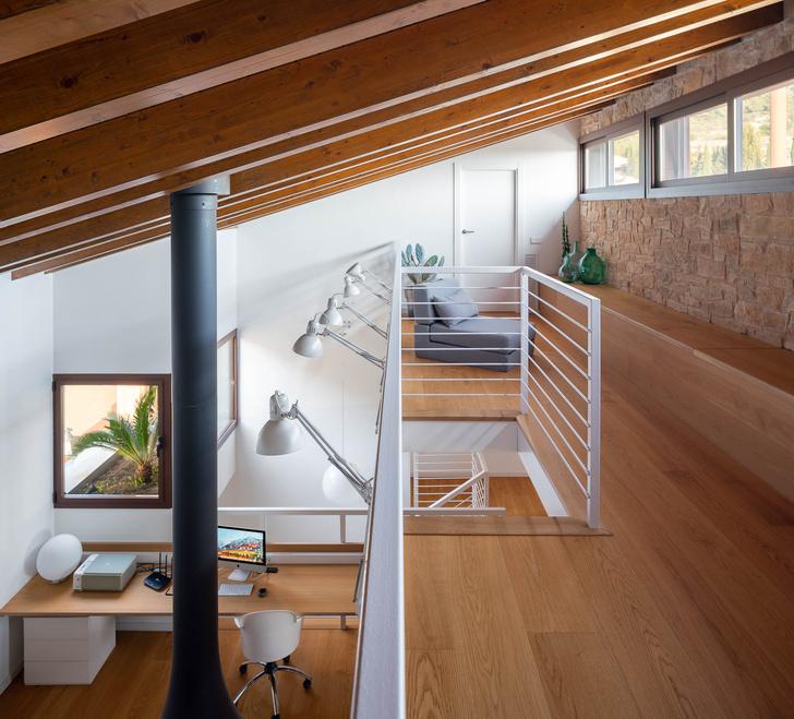 Фото №7 - Экологичный дом с солнечными батареями и камином в Таррагоне
