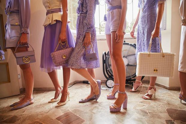 Фото №1 - Самые весенние платья и безупречные плащи в коллекции Elisabetta Franchi SS21