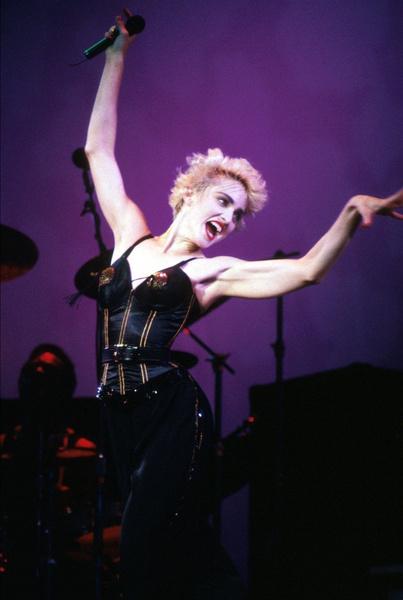 Фото №9 - Как тело Мадонны наказало ее за десятилетия суровых нагрузок и диет