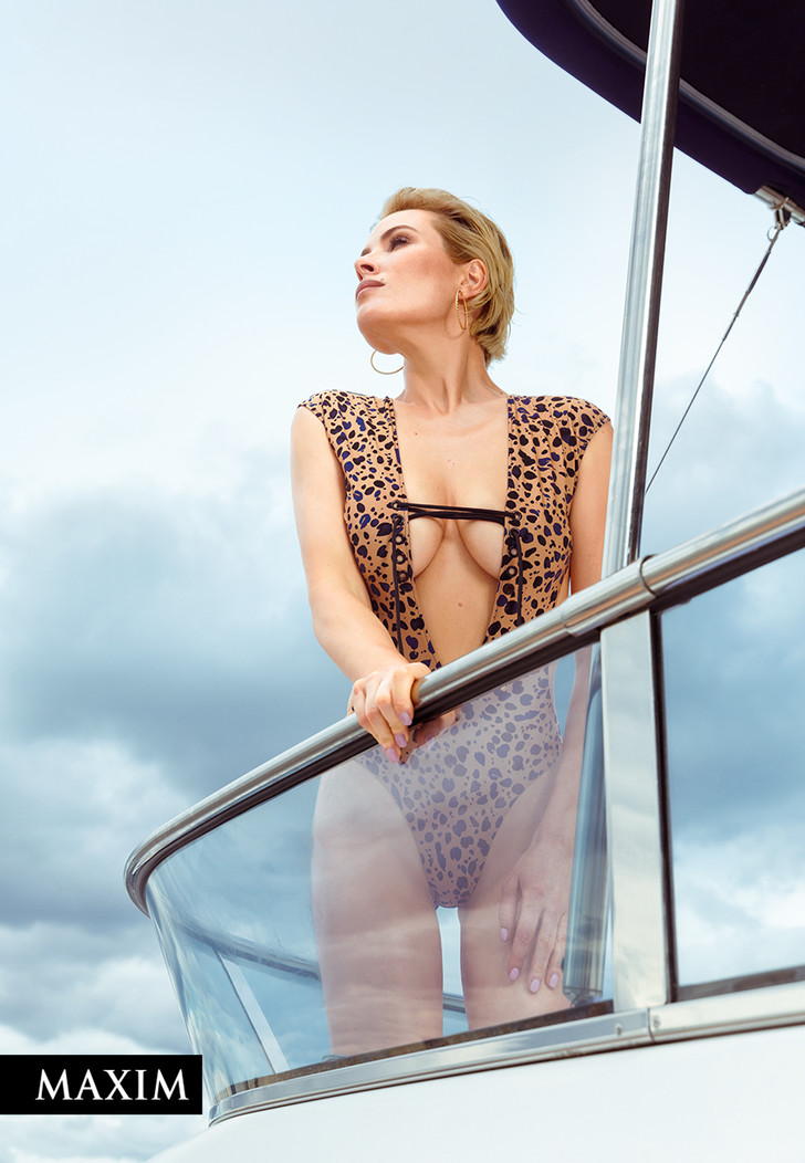 Фото №1 - Актриса Виктория Маслова: эксклюзивные фото со съемки в MAXIM, не вошедшие в журнал