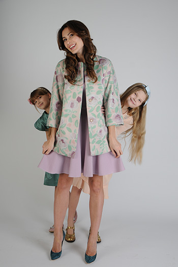 Фото №2 - Телеведущая Ольга Ушакова: «Хочу, чтобы дочери любили себя такими, какие они есть»