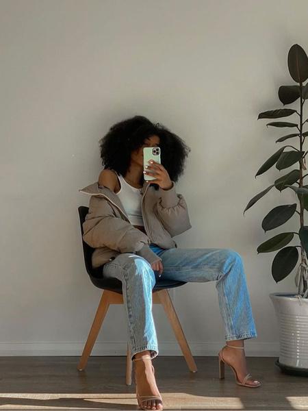 Фото №1 - Just wear it: 5 простых, но стильных осенних образов с джинсами