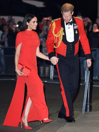 Фото №39 - Одним цветом: как королевские особы носят монохромные образы— 30 вдохновляющих примеров