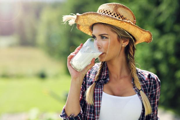 Фото №1 - Пить или не пить: 7 главных мифов о молоке