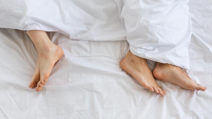 Фото №2 - Как выбрать идеального мужа, просто посмотрев на его ноги
