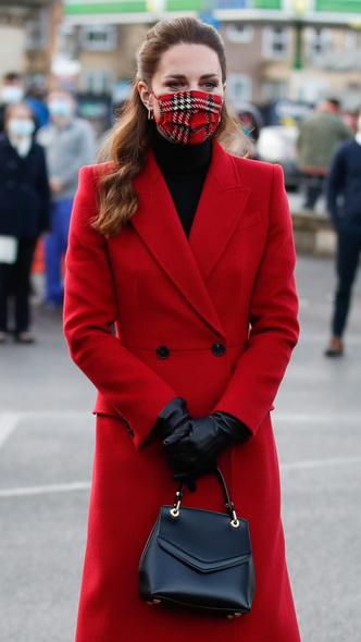Фото №2 - Отложенный тренд: самая необычная модная привычка герцогини Кейт