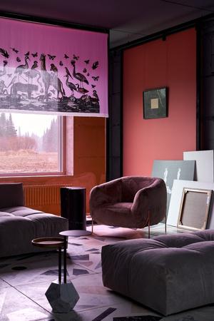 Фото №2 - Электрический ультрамарин: загородный дом для ценителя искусства