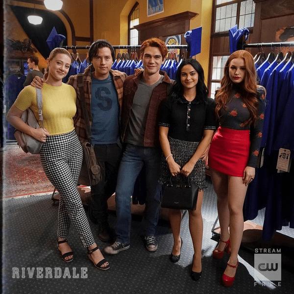 Фото №1 - «Ривердейл» продлили на шестой сезон!