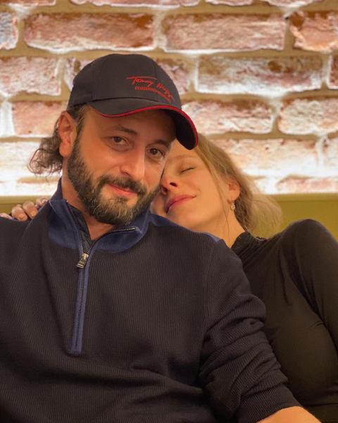 Фото №2 - Арзамасова впервые после свадьбы показала домашнее фото с Авербухом