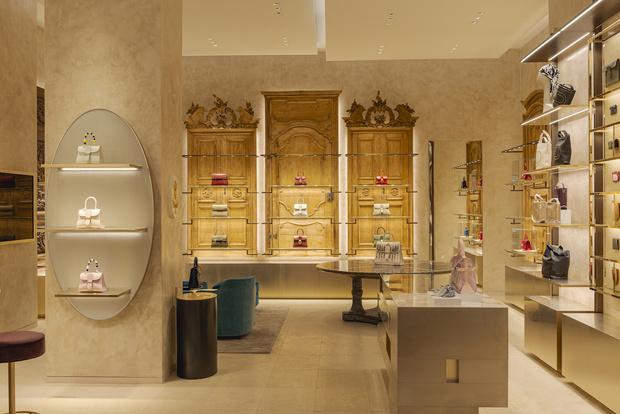 Фото №3 - Новый бутик Delvaux в самом сердце Парижа