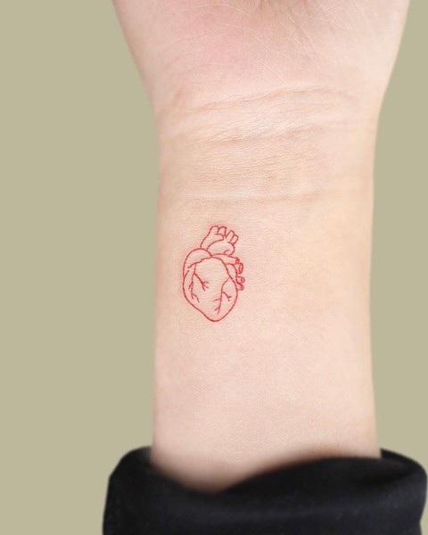 Фото №7 - Какие татуировки подойдут разным знакам зодиака? 👀
