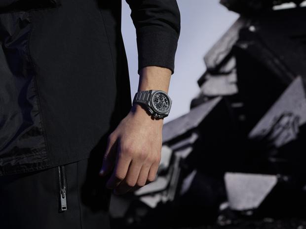Фото №2 - Крупным планом: часы Zenith с граненым титановым корпусом, будто высеченным из камня