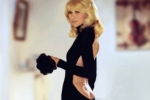 Фото №3 - Очень «голое» платье размера plus size: Лиззо продолжает откровения в моде во имя пышных форм