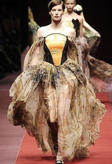 Фото №7 - Показ D&G на Неделе Моды в Милане
