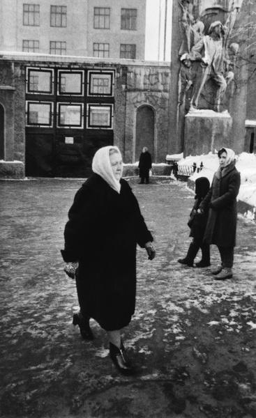 Фото №12 - Обманчивая внешность: все о жизни Валерии Голубцовой и Нины Кухарчук — сильных женщинах, которые незаметно правили страной руками своих мужей