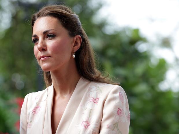 Фото №1 - История одного скандала: как «голые» фото Кейт попали в сеть (и какой была реакция дворца)
