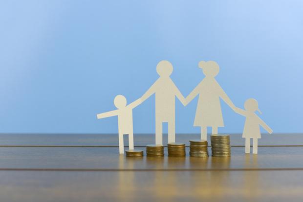 Фото №1 - Деньги за детей: все о пособиях и льготах, о которых родители не догадываются