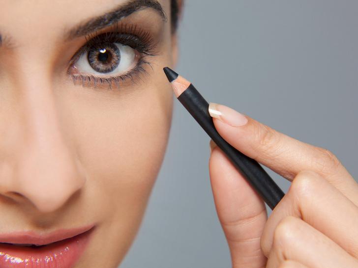 Фото №4 - Опасная красота: как косметика может навредить вашим глазам