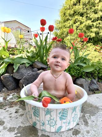 Фото №3 - Дачные радости для малыша: голосуем за самое яркое детское фото