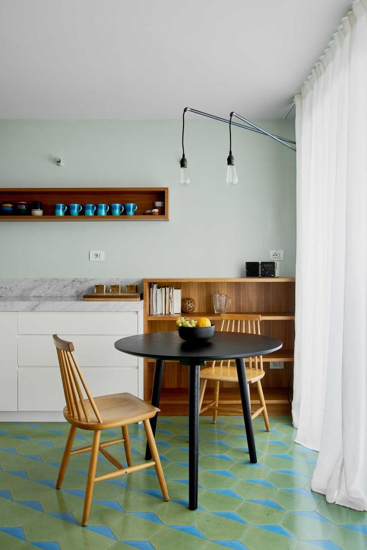 Фото №3 - Квартира с синим коридором в Милане