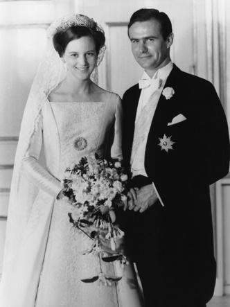Фото №3 - Битва драгоценностей: у какой европейской королевы украшения дороже и роскошнее, чем у Елизаветы