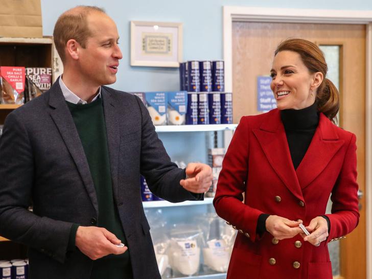 Фото №9 - Улыбчивая герцогиня: 10 самых веселых моментов Кейт за всю ее королевскую жизнь