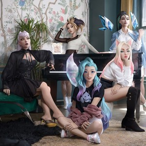 Фото №2 - Камила Кабелло, BTS и Ариана Гранде: о каких коллаборациях к-попа и Запада мы мечтаем 😍