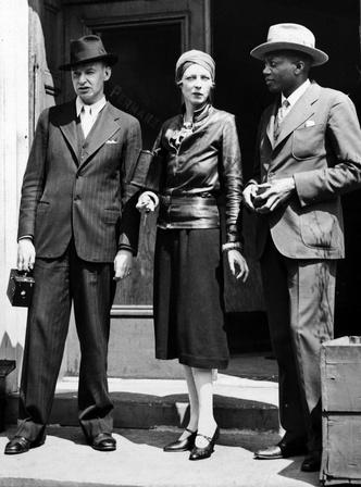 Фото №2 - Гипнотическая Нэнси Кунард: как одевалась самая модная активистка XX века