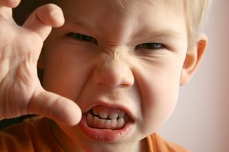 Фото №1 - В год шлепают ребенка, в три он бьет других