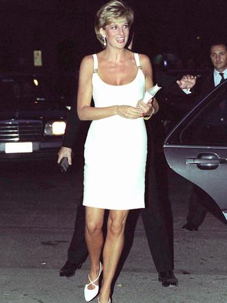 Фото №15 - Как принцесса Диана одевалась бы в наши дни (и осталась бы она иконой стиля?)