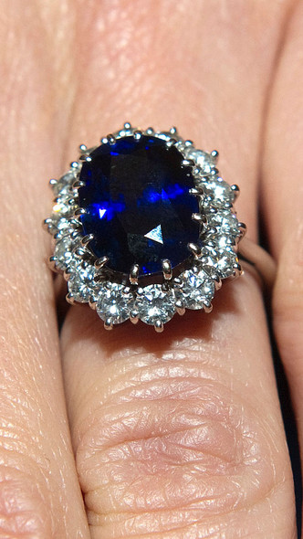 Фото №5 - Любимое украшение Кейт из коллекции Дианы (спойлер— это не помолвочное кольцо)