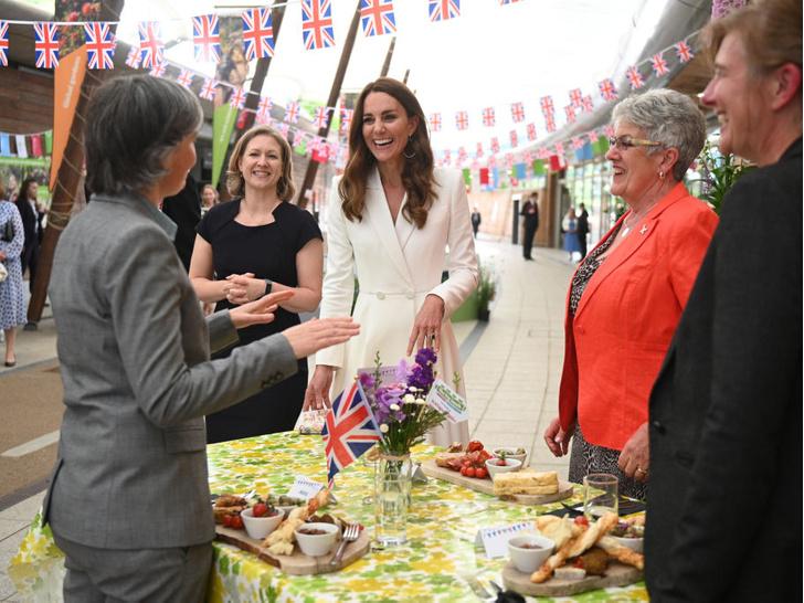 Фото №5 - Взгляд в будущее: какой королевой будет герцогиня Кейт
