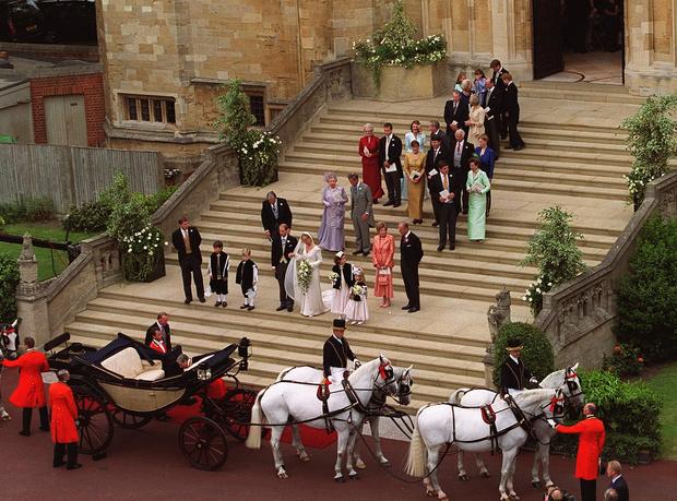 Фото №2 - Чем Софи вызвала гнев королевы-матери накануне свадьбы с принцем Эдвардом