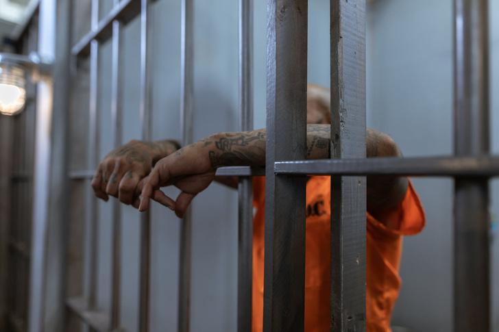 В Индии заключенные отказываются выходить из тюрем из-за коронавируса