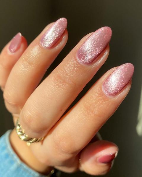 Фото №6 - Velvet nails: идеальный сияющий маникюр на лето