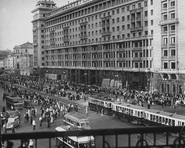 Фото №7 - Этот День Победы: как советский народ жил, любил и ждал все 1418 дней войны