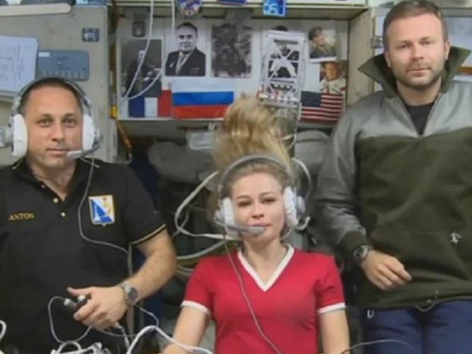 Фото №1 - Как съемки в космосе могут сказаться на здоровье Юлии Пересильд и Клима Шипенко