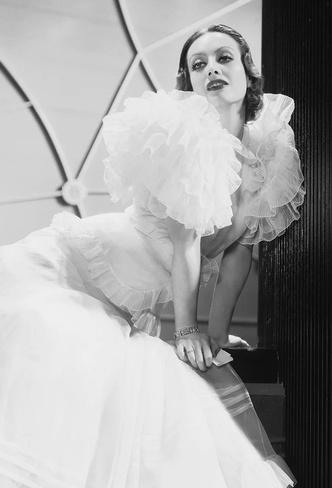 Фото №4 - Сокровища мира кино: кто создавал культовые украшения голливудских актрис